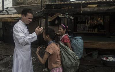 Entretien avec l'abbé Dauchez, directeur de la fondation «Un Pont pour les enfants»