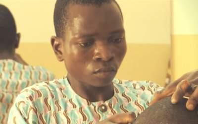 Moi, Oladélé, guéri de la lèpre et coiffeur
