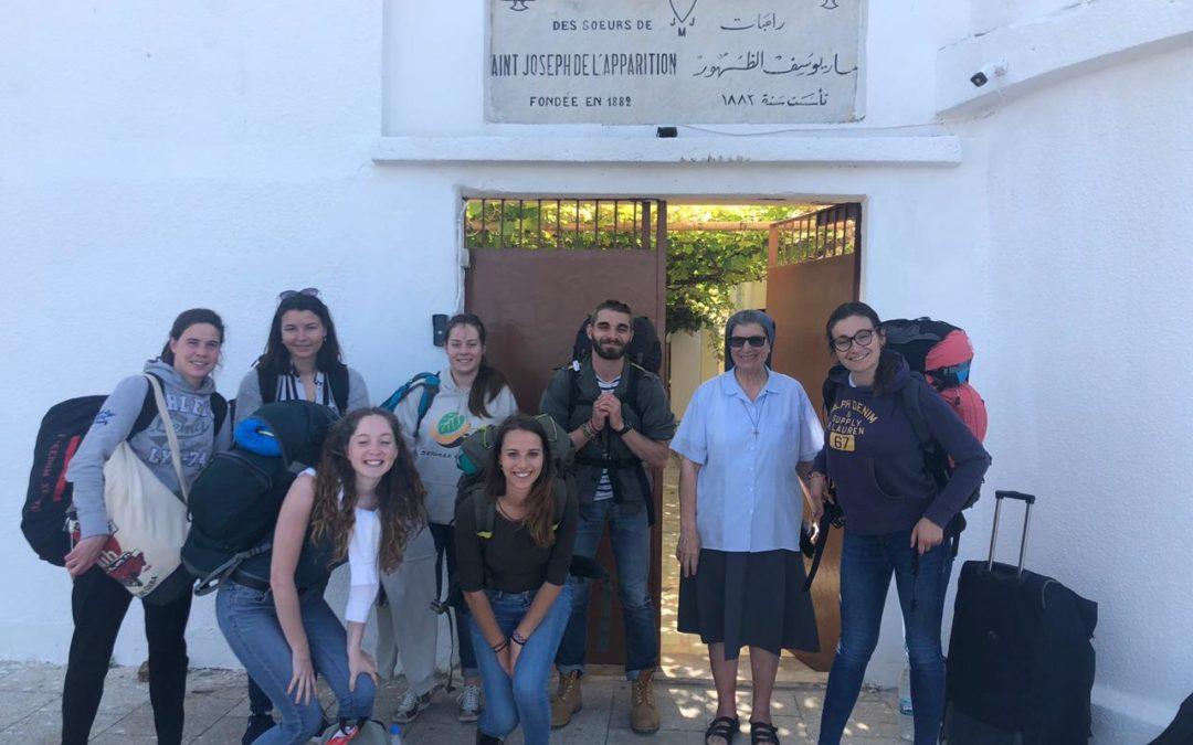 Des jeunes volontaires rénovent les maisons des familles pauvres du Liban