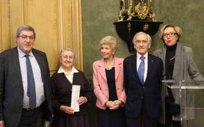 France : sœur Dolorès reçoit le prix Raoul Follereau à l'Académie française