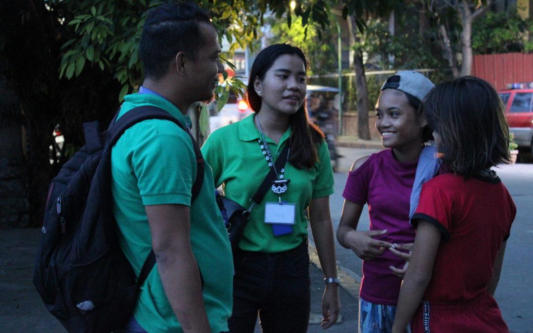 Philippines : Une nuit avec les sauveurs de la rue