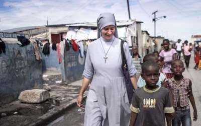 Haïti : Rencontre avec Sœur Paësie, la maman soleil de Port-au-Prince