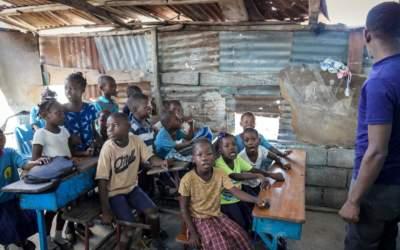 Haïti: Une rentrée scolaire sous tension dans le bidonville de Port-au-Prince